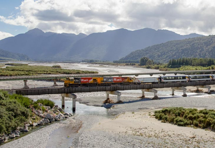 Sp TranzAlpine Crossing Taramakau River Bridge 65 at Jacksons 730x504