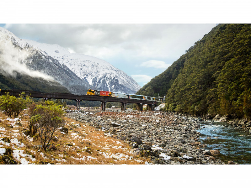 TranzAlpine Crossing the Bealey River 3840