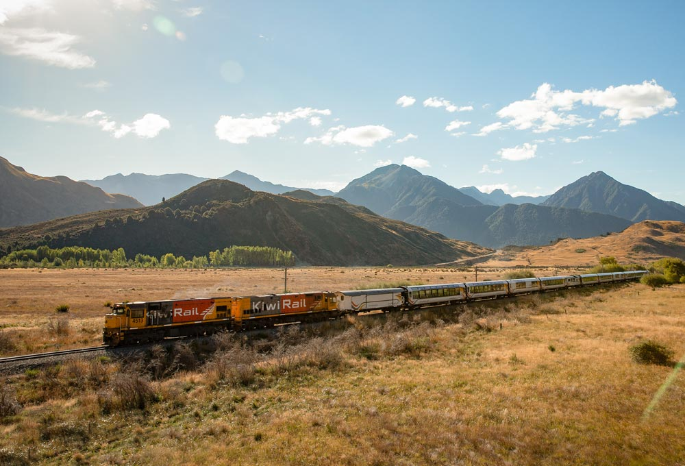 TranzAlpine approaching Cass in the evening CM1380 1000x680